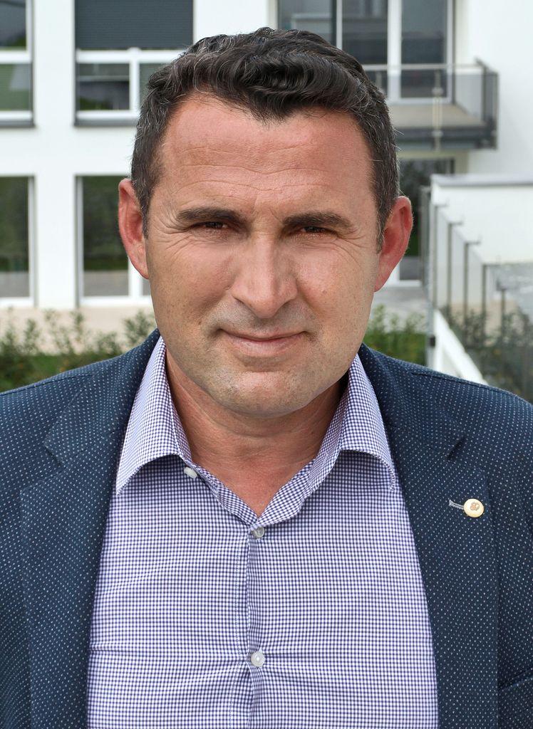 Geschäftsführer Isuf Ademi
